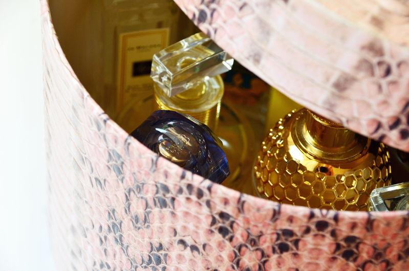 Jak przechowywać perfumy ipróbki