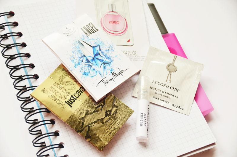 Jak testować perfumy? Korzystając zróżnego rodzaju próbek.